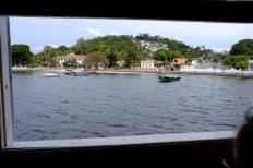 Nous apercevons les premières maisons de l'île Paqueta