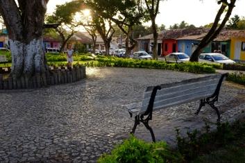 Cuadrado de Arraial d'Ajuda au soleil couchant. 17h30 tous les jours!