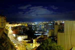 Valpo by night