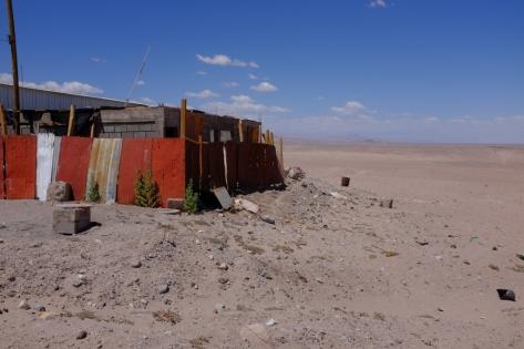Re-changement de décor. Voici Toconao, village quasi-fgantôme au milieu du désert