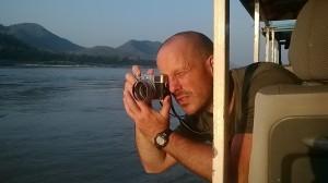 Mon beau photographe au soleil couchant sur le Mékong!